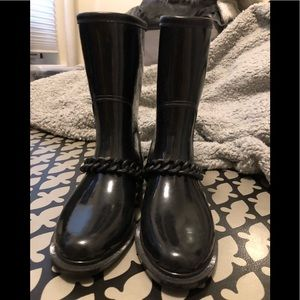 Zara rain boots with chain detailing on the front!